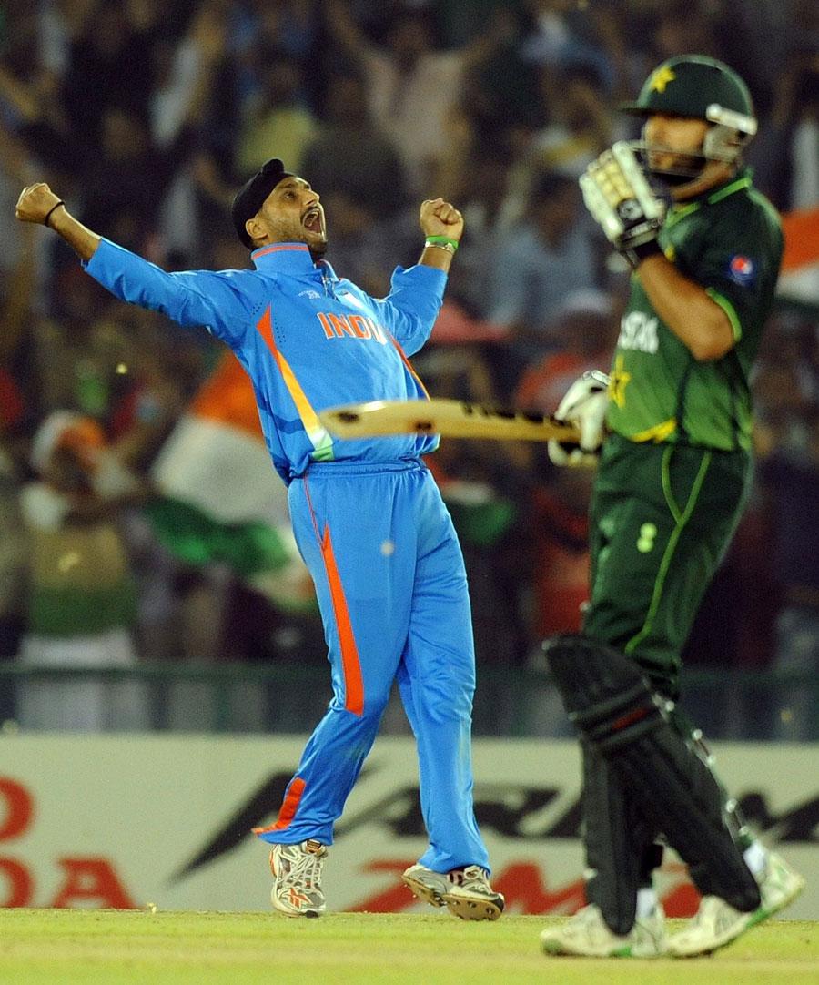 http://4.bp.blogspot.com/-GgveT0eem4k/TZNqLSfy60I/AAAAAAAACy4/1dzRqPayPcw/s1600/fall-of-pakistan-wickets-semifinal%252811%2529.jpg