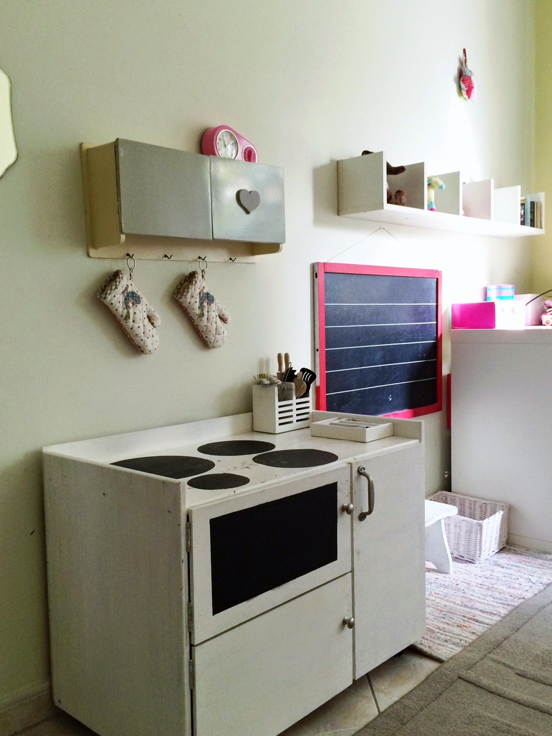 girls room creative with old and new