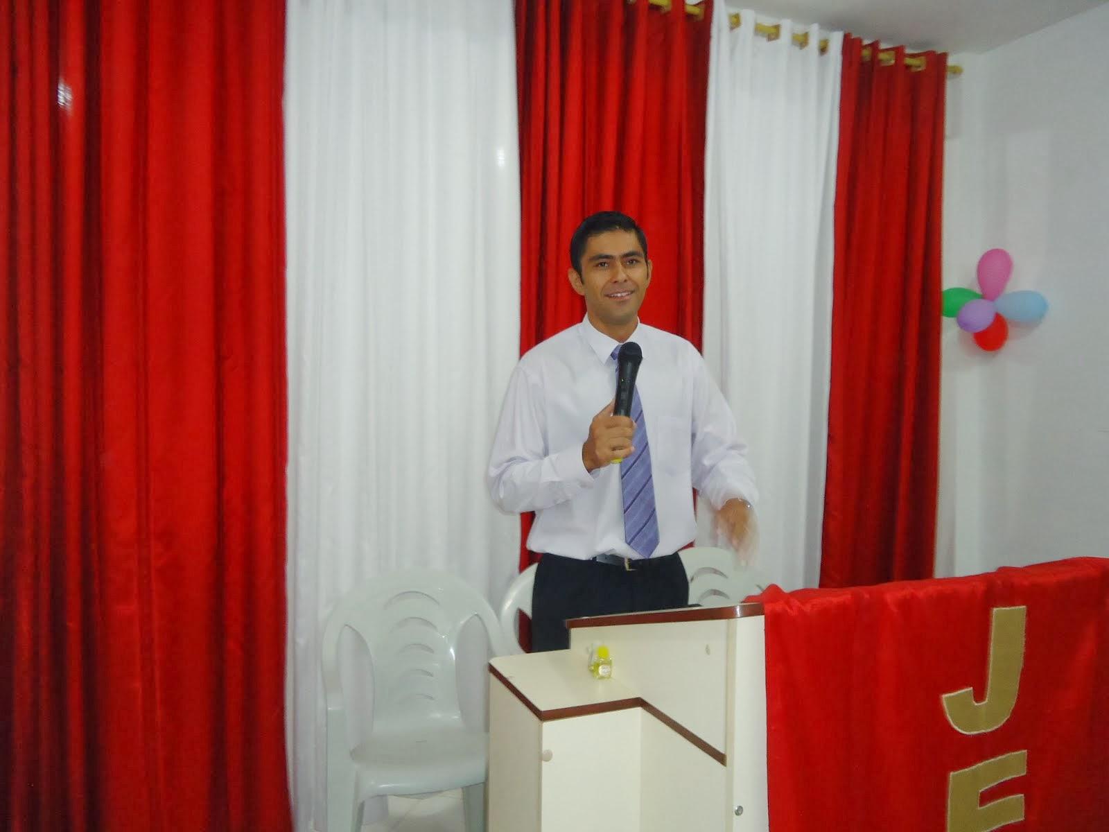 Pastor Fernando Ramos