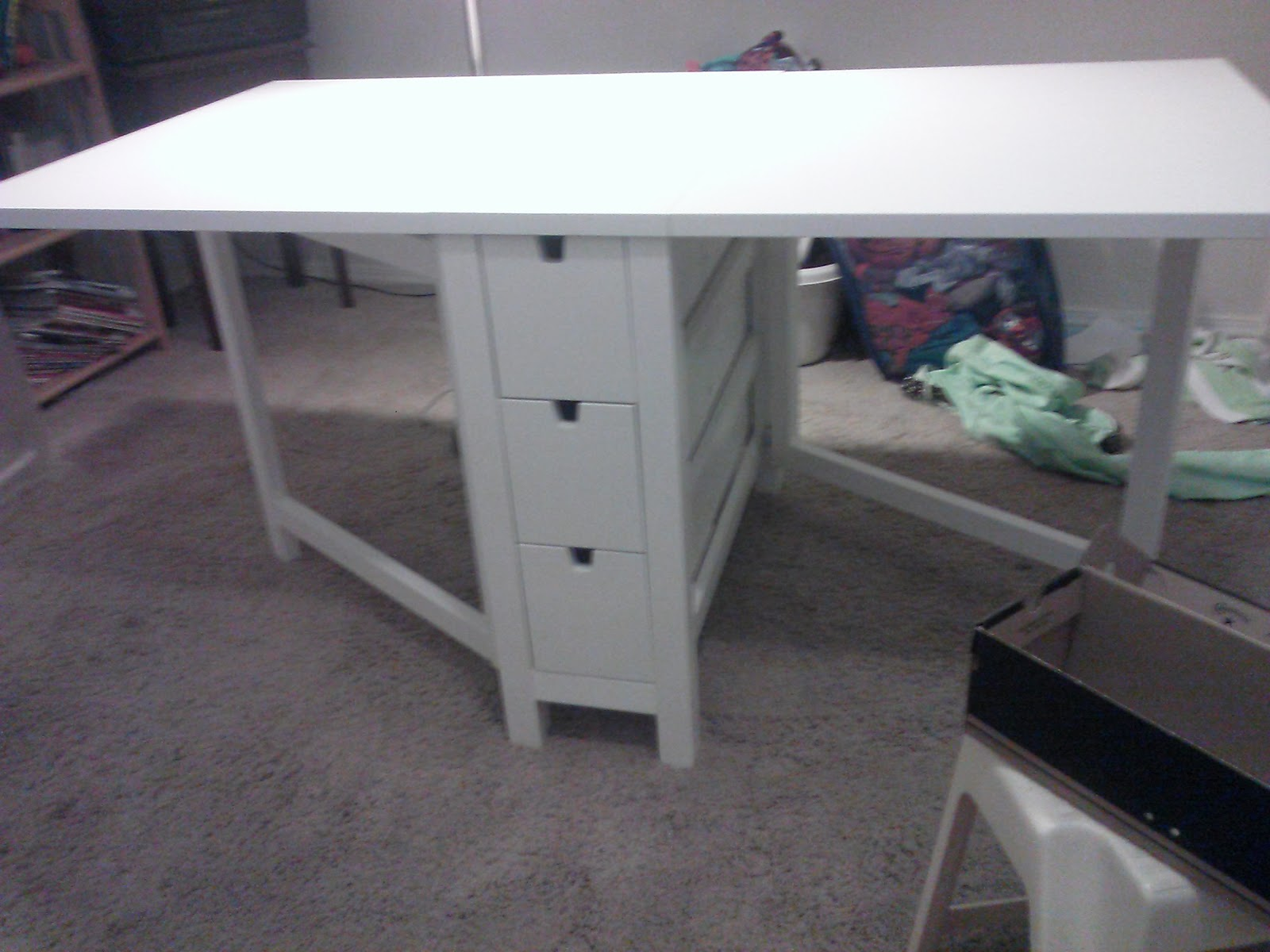 sew crafty chick product review ikea craft table. Black Bedroom Furniture Sets. Home Design Ideas