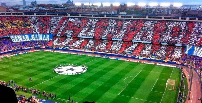 La afición del Atlético ofreció un maravilloso espectáculo difícil de encontrar en Europa.
