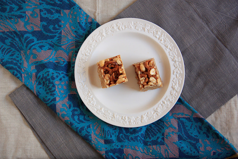 sweet tarte: butterscotch blondie bars with peanut-pretzel ...