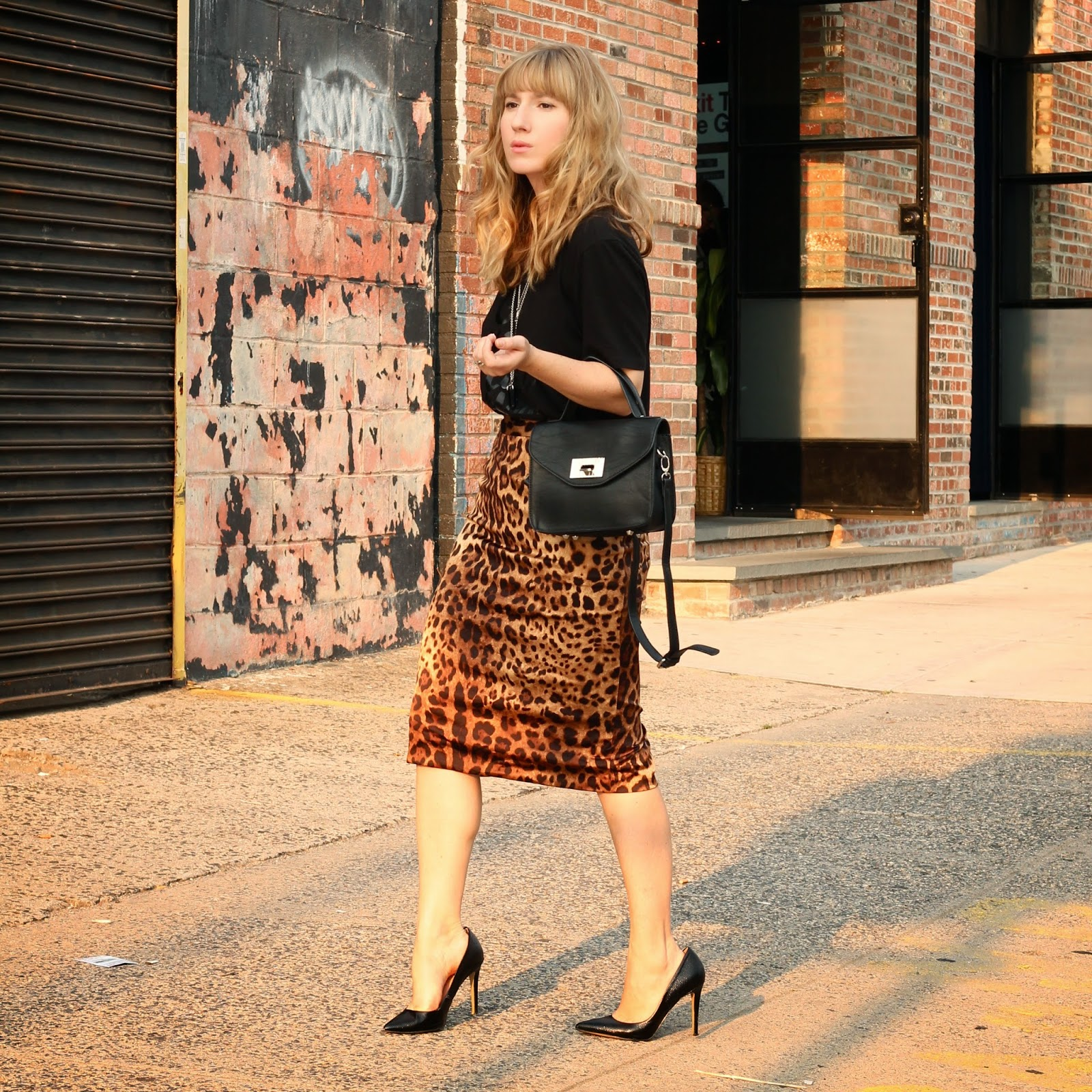 leopard pencil skirt and tee, nyc style, nyc fashion bloggers, megan zietz, tfdiaries