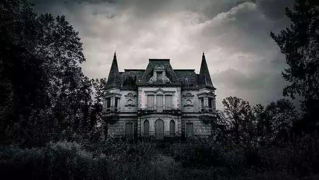 Στοιχειωμένα Σπίτια, Πνεύματα & ο Φόβος του Θανάτου
