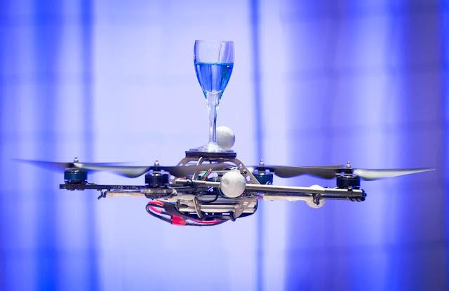 四軸飛行器(quadcopters)驚人的運動能力