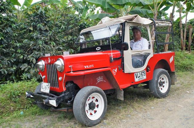 Willys Colombia de una / Toya Viudes