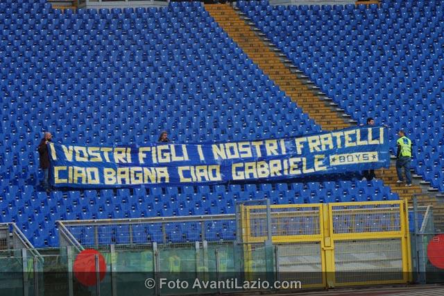 http://4.bp.blogspot.com/-Gj2pMVRmQz4/TrklxuuCAII/AAAAAAAAPXw/RSNWK5cdD2s/s1600/0032-Lazio-Parma-11-12-07.jpg
