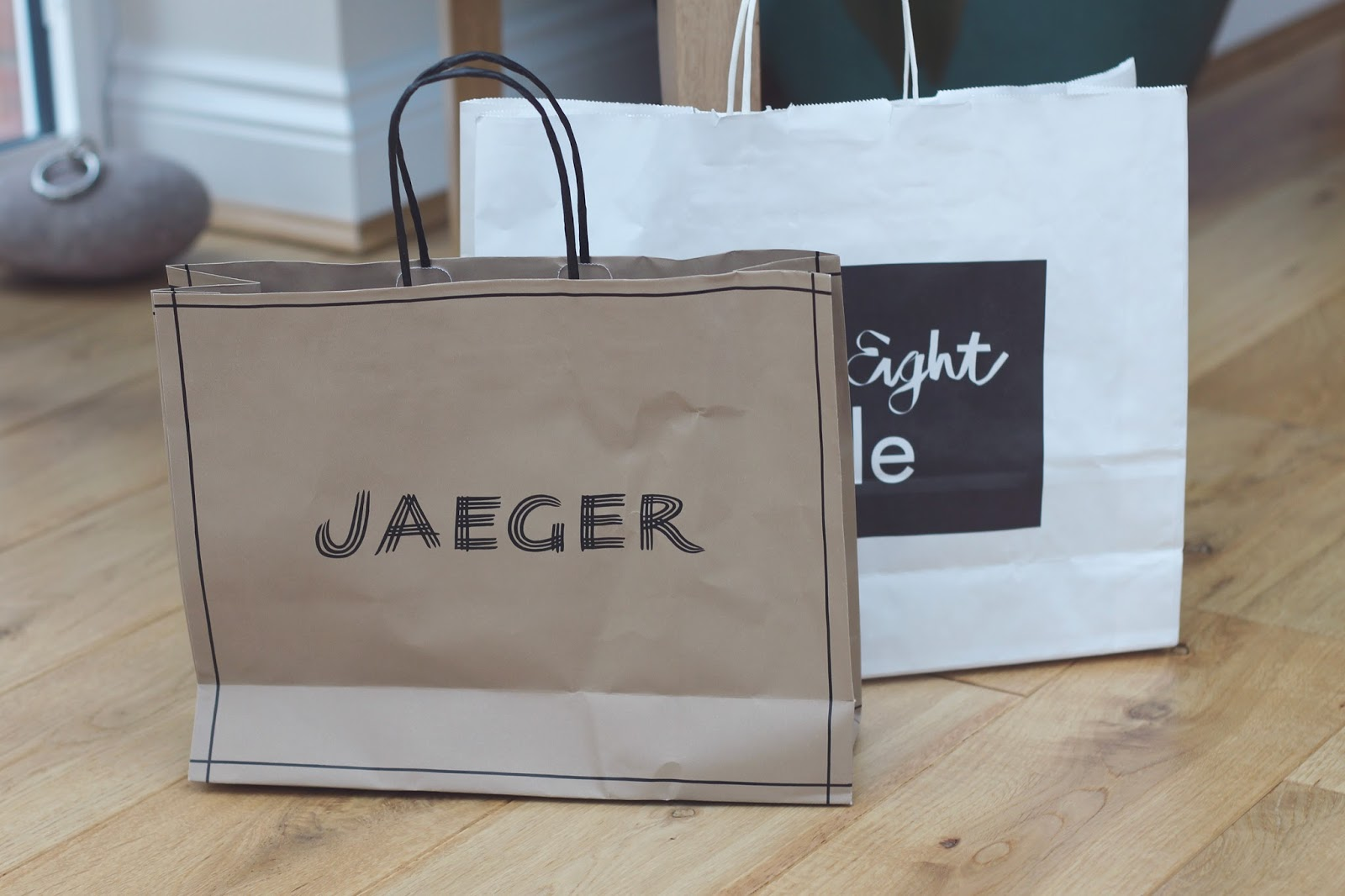 outlet christmas shopping cheshire oaks gift guide