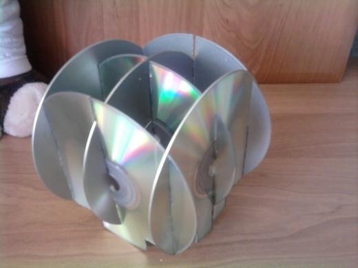 Как сделать органайзер из дисков своими руками 45
