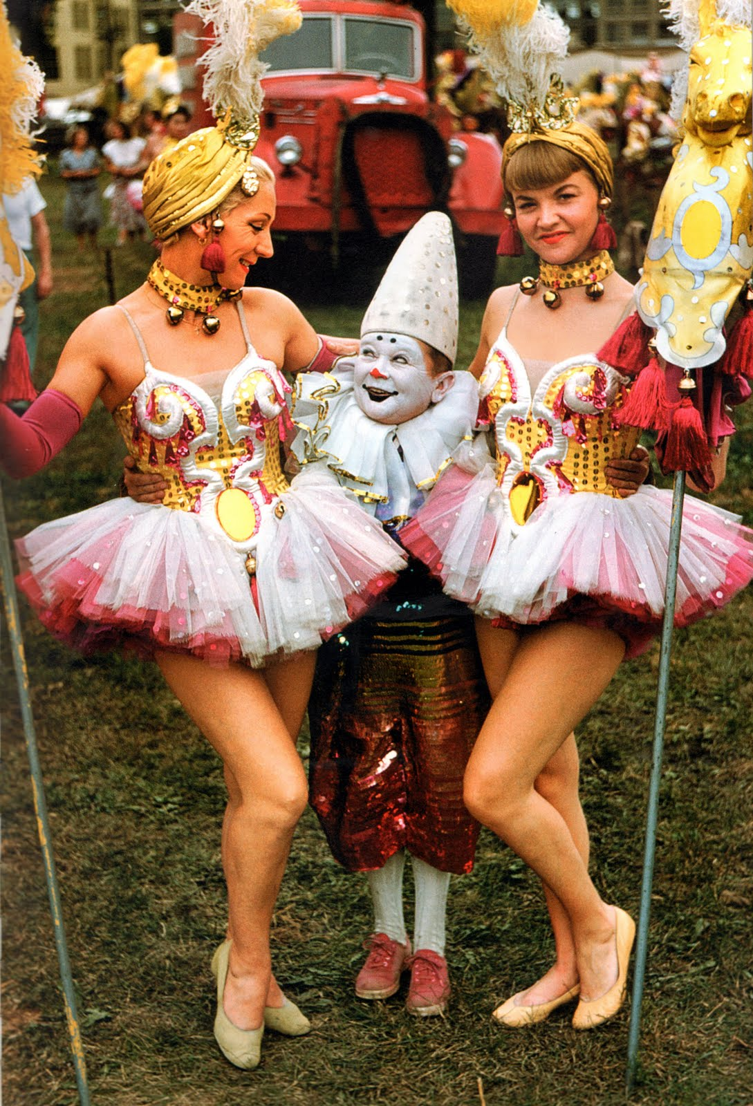 15 Wonderful Color Portrait Photos of Circus Performers From Between the 1940s and 1950s ...