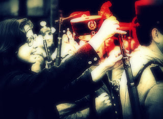 Manual de uso para el correcto revolucionario - Las flores vencerán