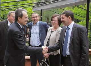 Орешарски по време на срещата си с представители на бизнеса от област Ловеч