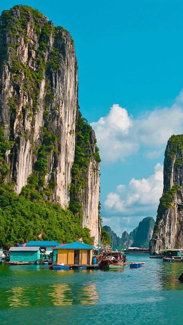 Travelgawker fishing at halong bay vietnam for Places to go fishing
