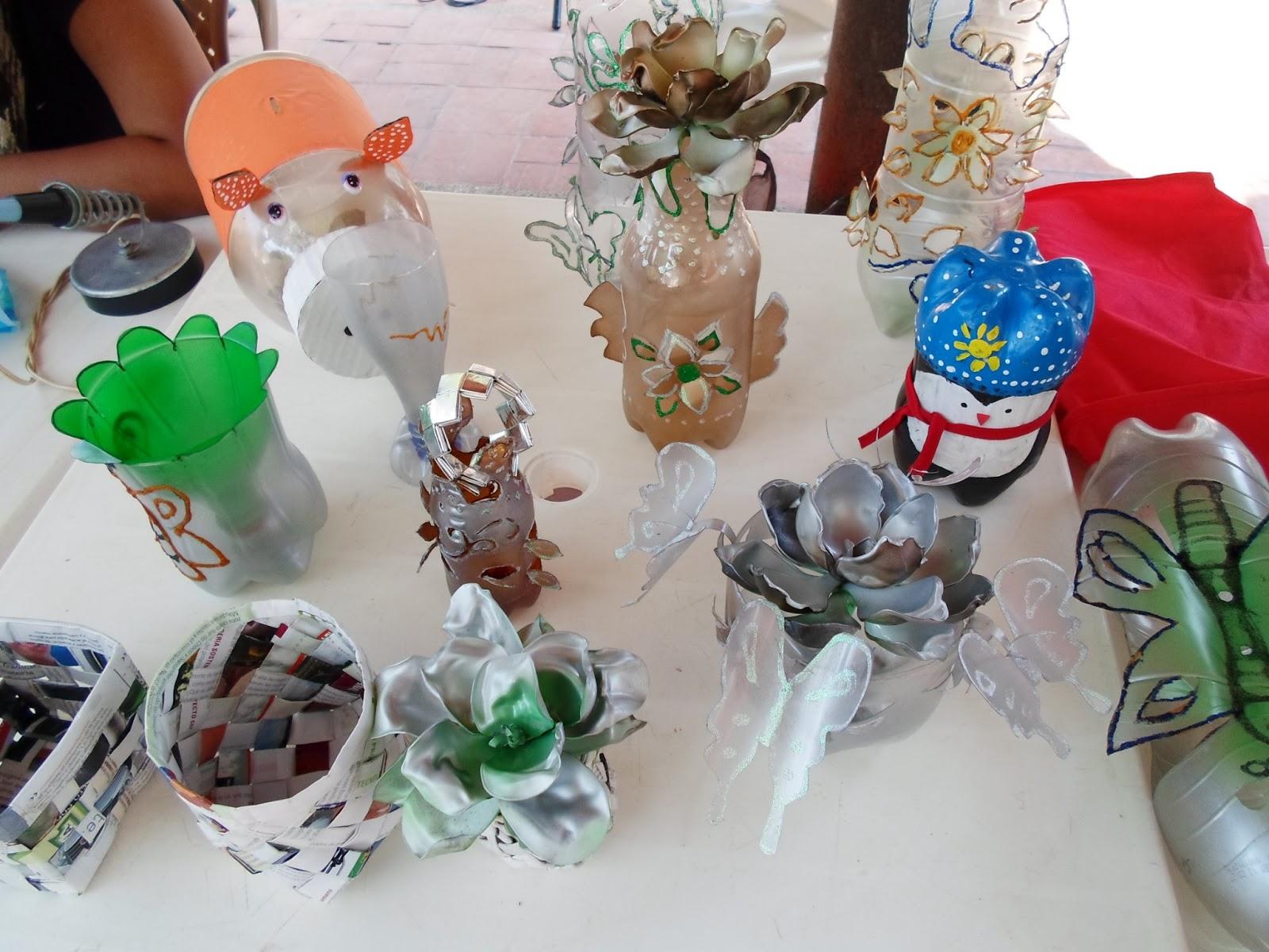 Objetos Hechos Con Material Reciclable