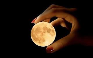 Luna en tus manos Fotografias de luna