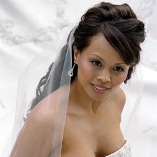 wedding hairstyles with tiaras and veils
