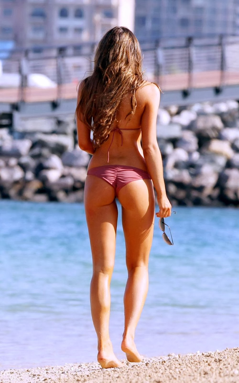 Luisa Zissman showing off her bikini body on a beach in Dubai
