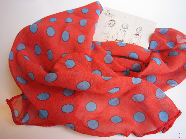 My little box Foulard poids