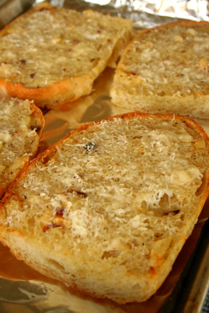 Riches to Rags* by Dori: Simple Roasted Garlic Bread