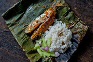 Grilled Fish in Banana Leaves Recipe (Cá Nướng Lá Chuối)