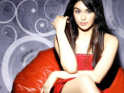 Adah Sharma Hot Phot