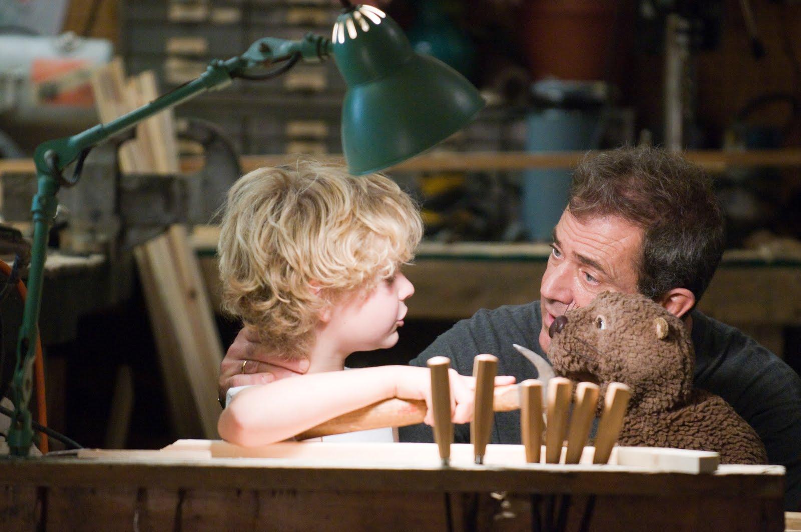 http://4.bp.blogspot.com/-GlF9GD8mCS4/TgJEKxzaKuI/AAAAAAAAANU/qfgvEQgElfY/s1600/The-Beaver-Mel-Gibson-2.jpg