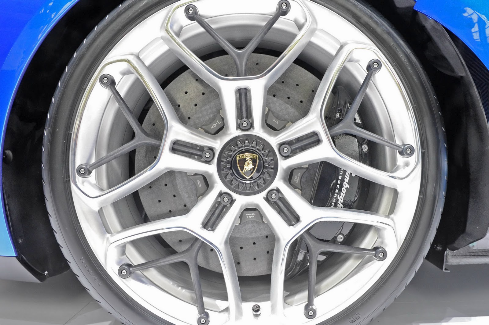 Колесные диски Lamborghini Asterion