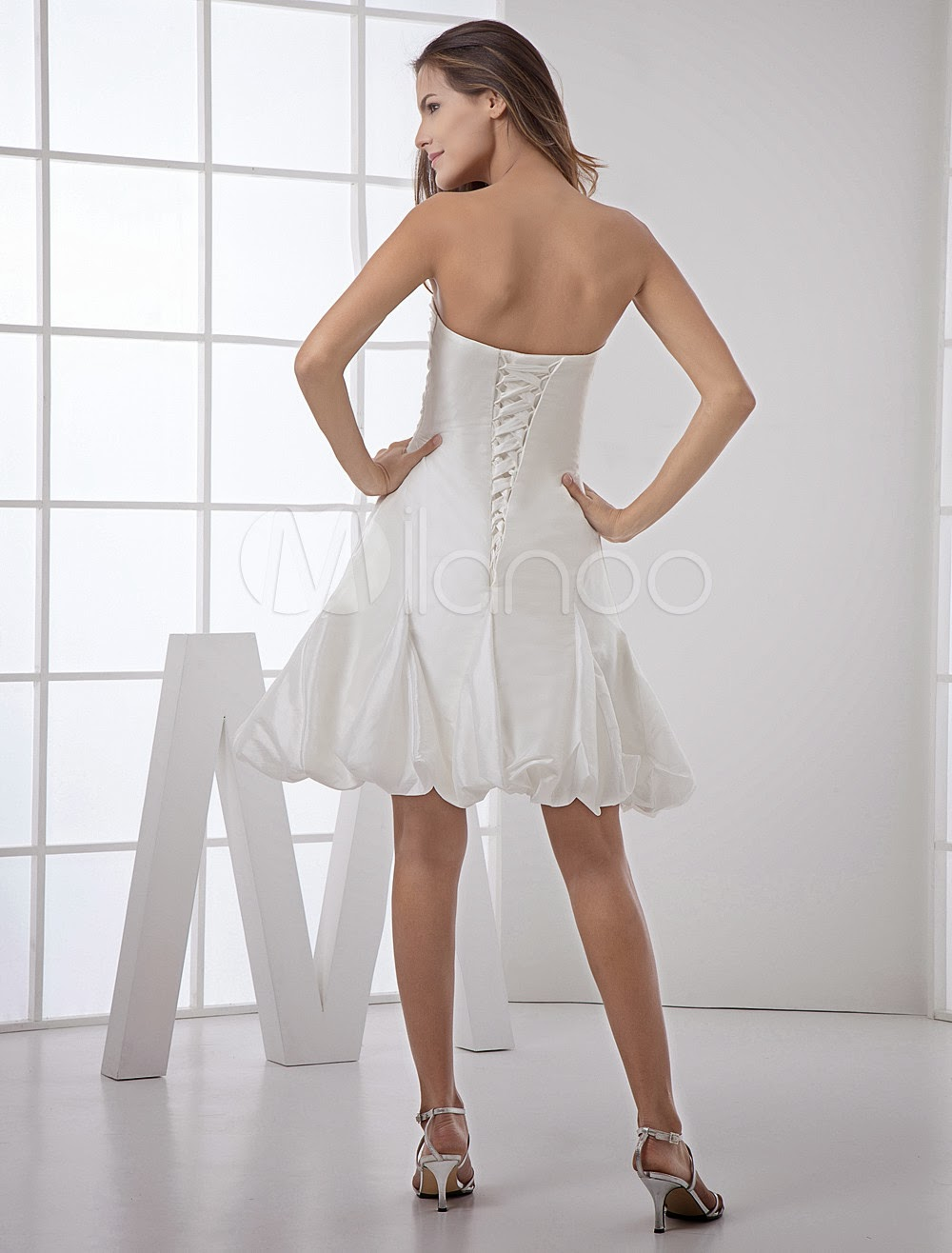 China Wholesale Dresses - Cute Strapless Sweetheart Knee Length Beading Taffeta Mini Wedding Dress