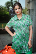 Swathi Glam photos in green-thumbnail-7