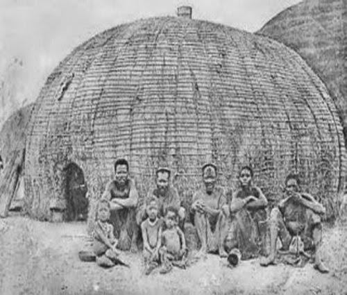 Zulu huts picture 3