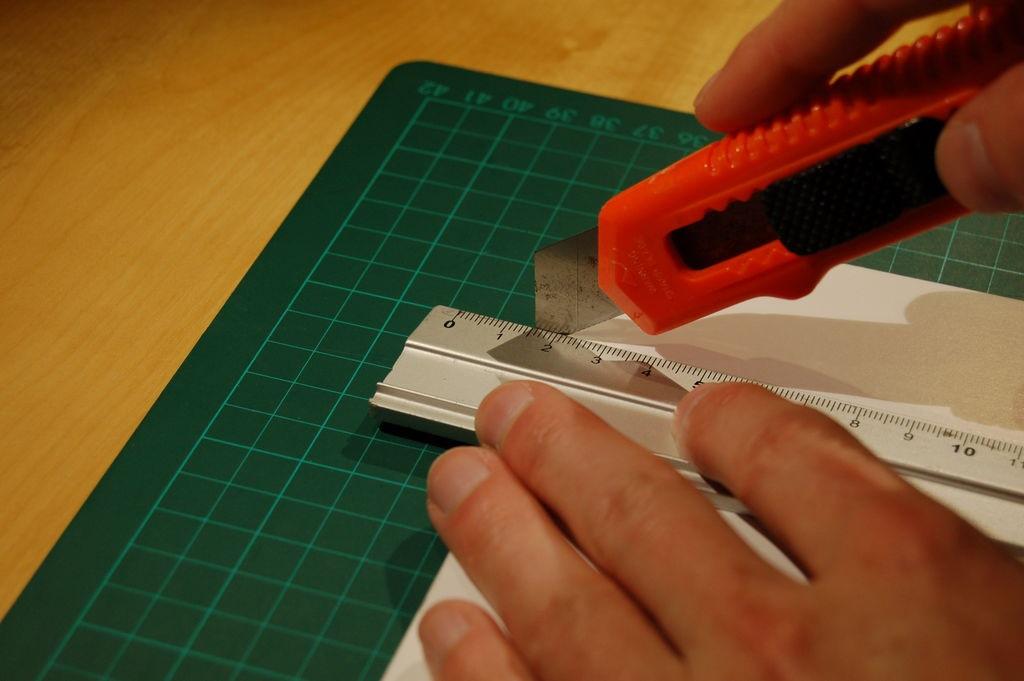 best tool for cutting foam board