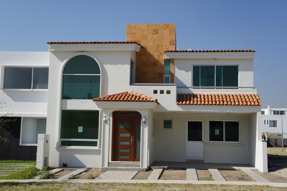 Fachadas mexicanas y estilo mexicano elegante residencia for Fachadas de casas con teja