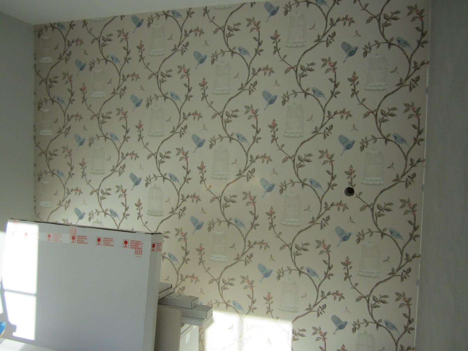 Villa Blue Linnut lentää seinillä