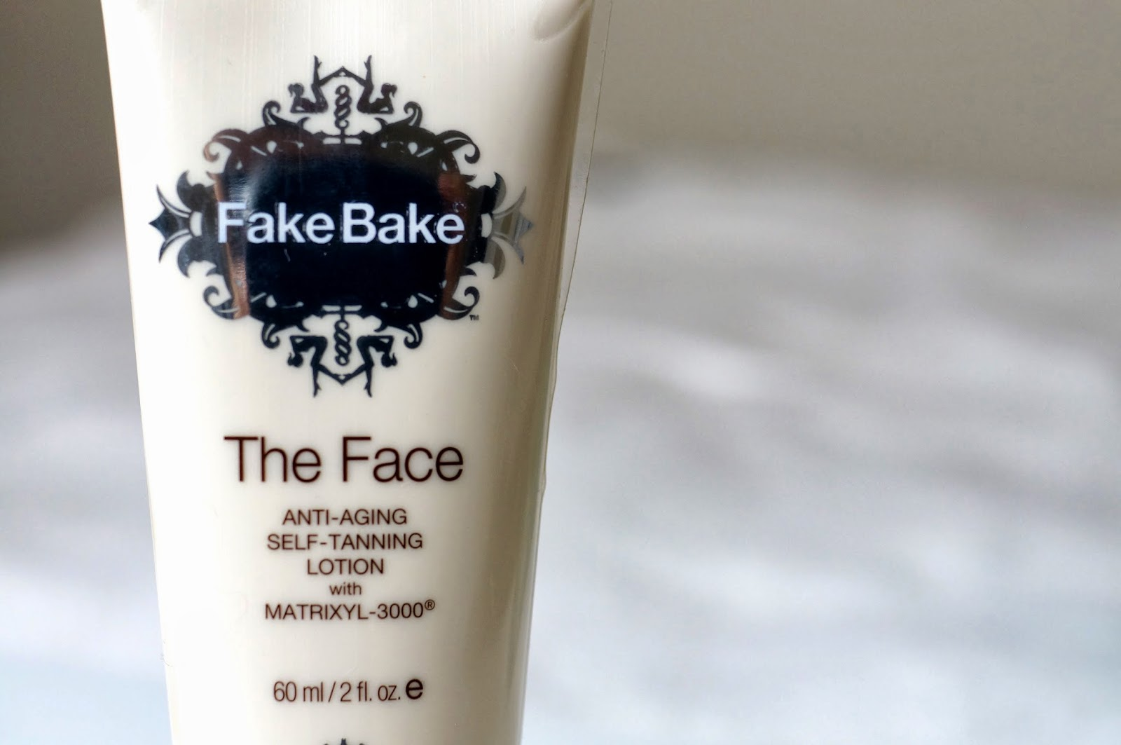 the face, anti-aging self-tanning lotion