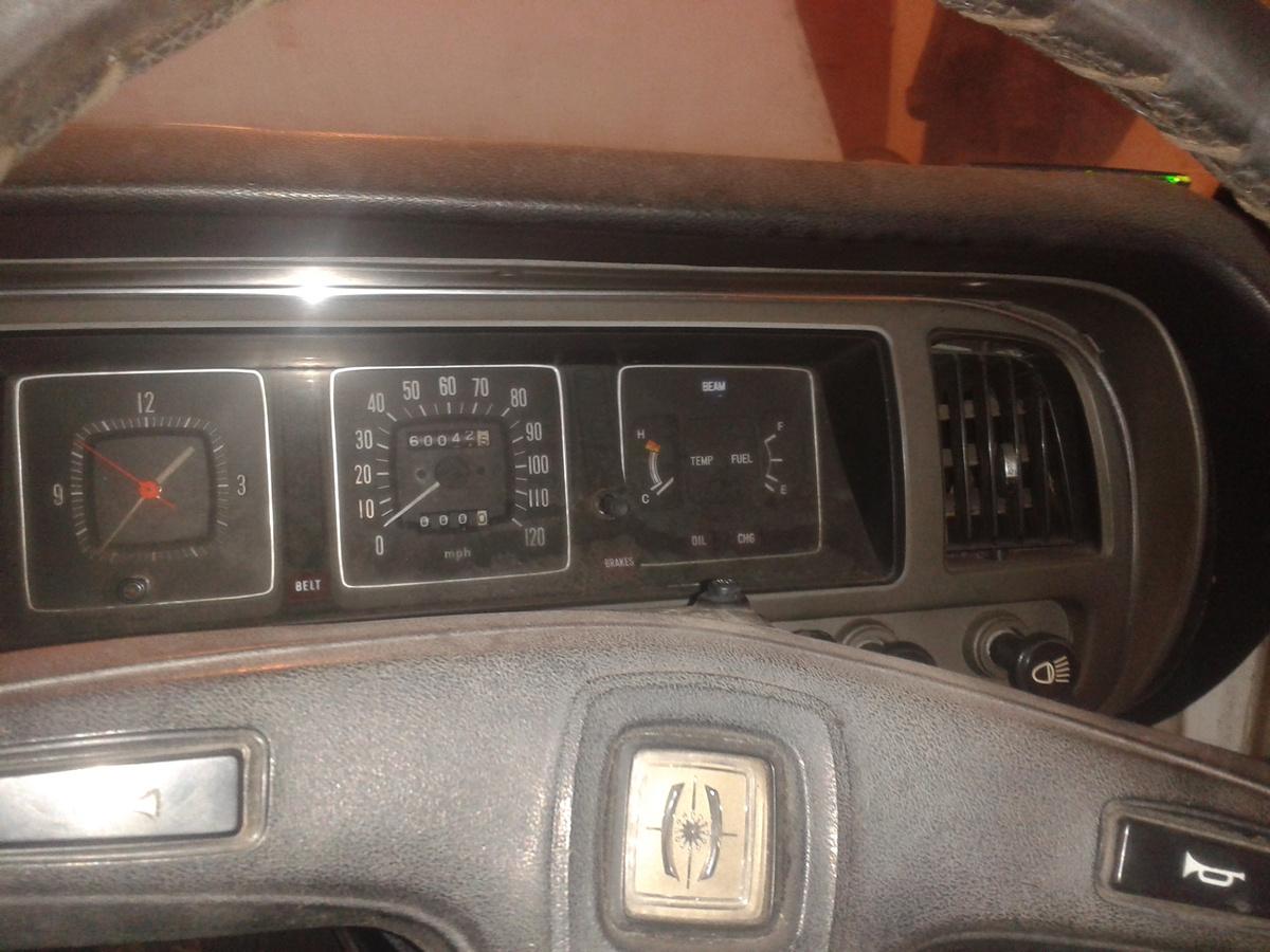 Marcin, Toyota Corona Mark II, RX12, wnętrza starych samochodów, klasyczne auta
