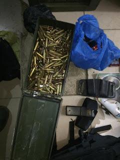 IDF descobre depósito de arma branca e munições em um campo de refugiados