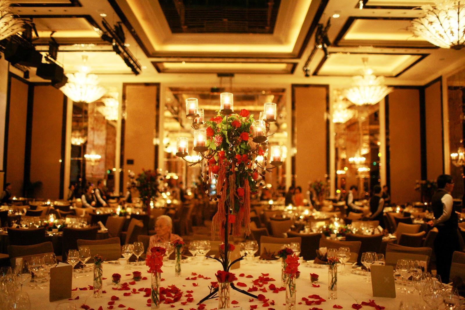 WeddingAtStRegisSingapore-D&A VIP table centerpiece