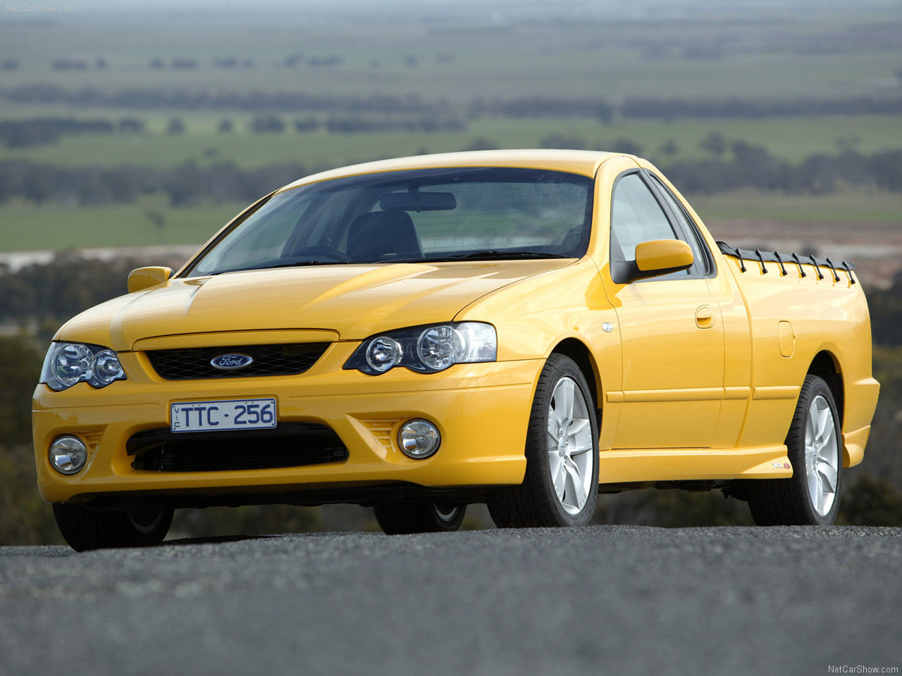 Ford - Populaire français d'automobiles: 2005 Ford BF Falcon XR8 Ute