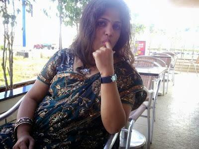 Desi Indian Aunty Nude Photo Album   nudesibhabhi.com
