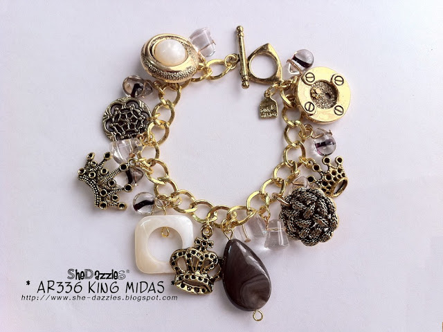 vintage-button-gold-charm-bracelet