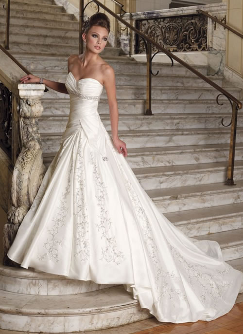 Wedding Gowns & Dresses: Modern Bridal Dresses And Gowns Design