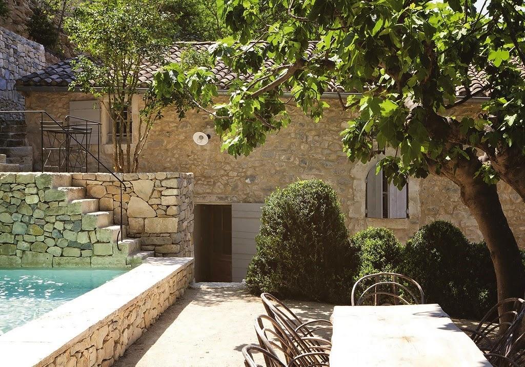 Decordemon the art of living - Maison jardin assisted living avignon ...