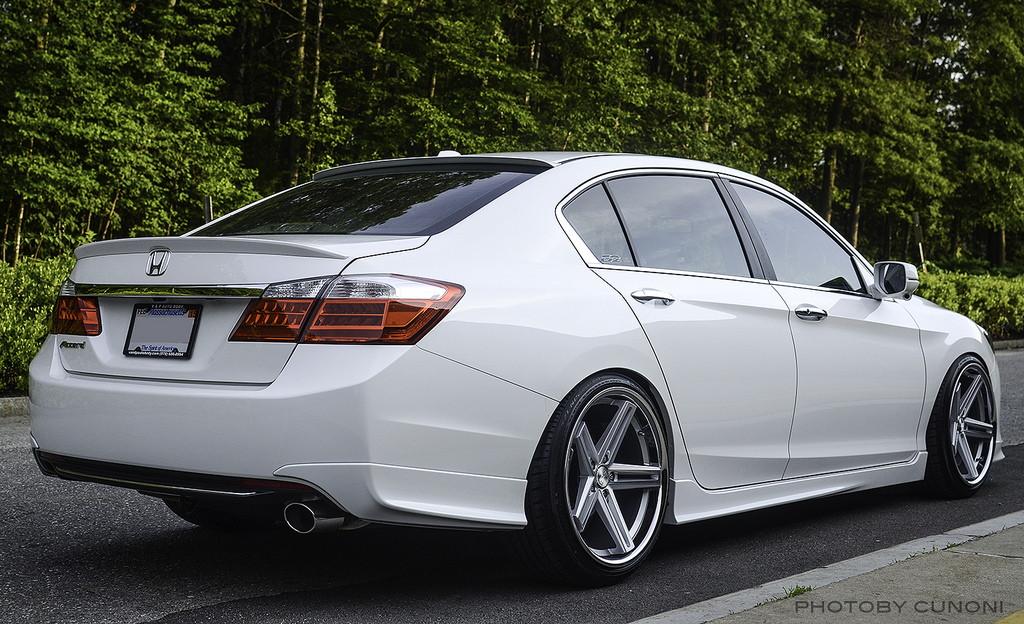Typowa Honda, Accord IX, ciekawe, fajne, nowe sedany, japońska motoryzacja, tuning, zdjęcia, biała