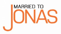 Married to Jonas logo