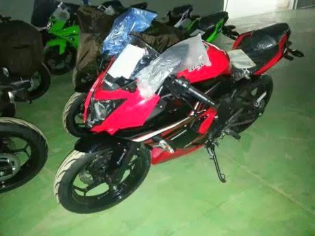 Kawasaki Ninja 1 silinder