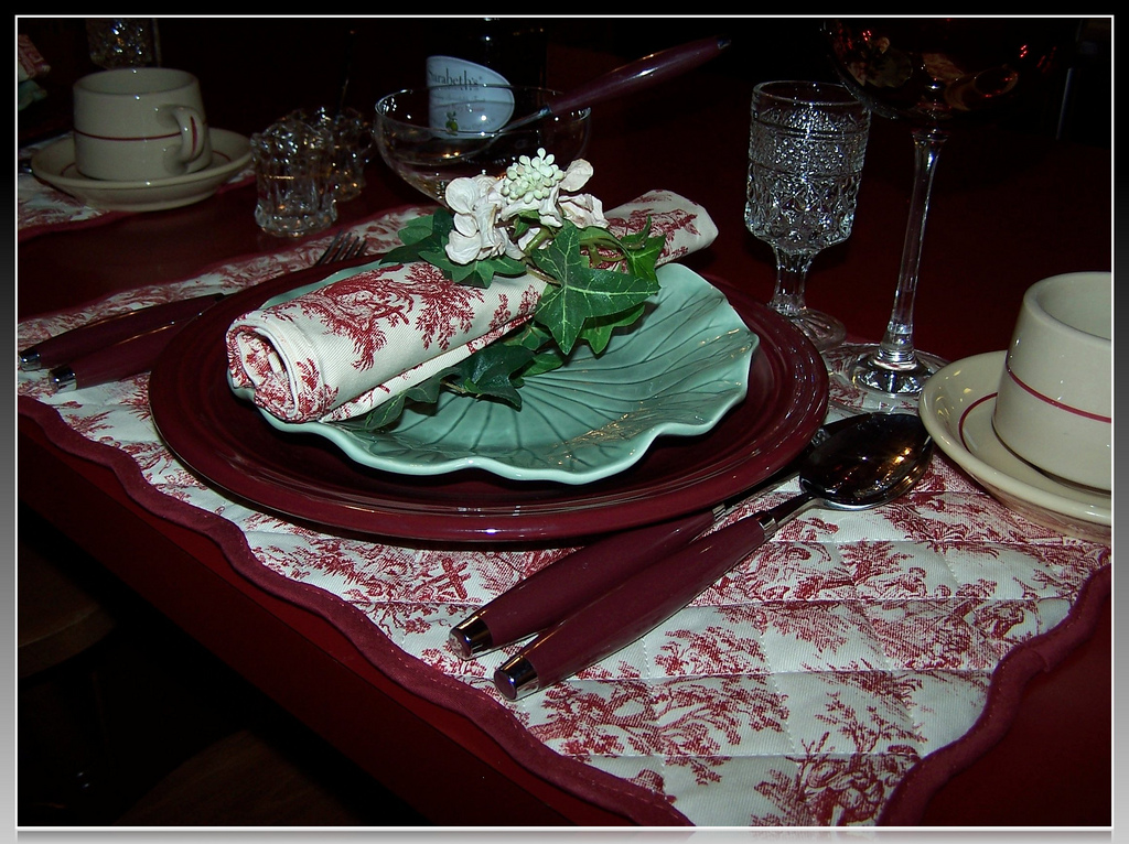 Olla podrida tablescape thursday sunday brunch for Table 52 sunday brunch