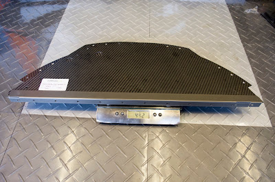 The two carbon curved panels weighed in at 442g