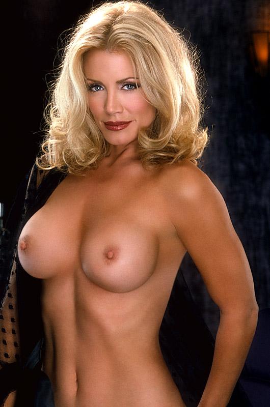 Gene Simmons Wife Naked 63