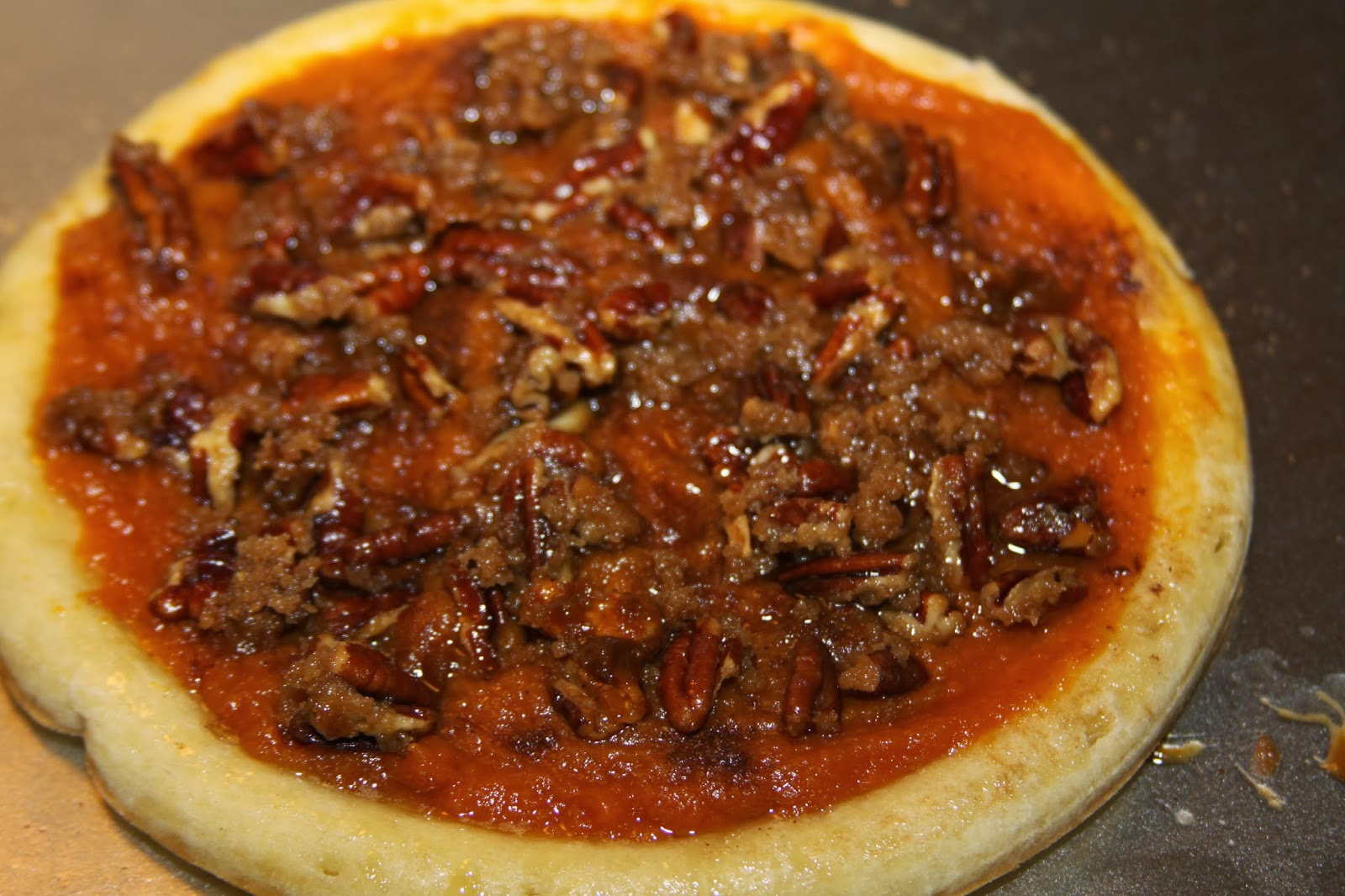 For the Love of Food: Pumpkin Pecan Pie Dessert Pizza with ...