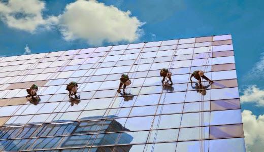 Dịch vụ lau kính cao tầng